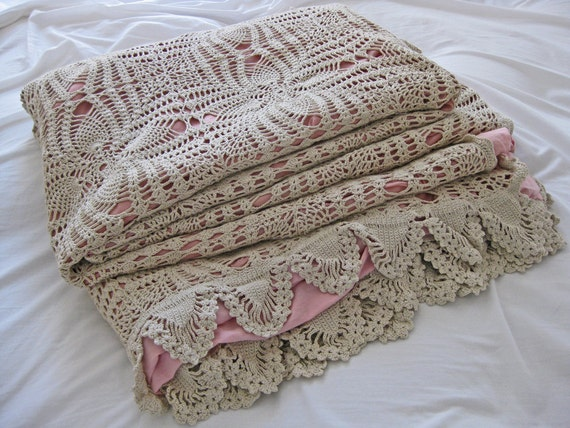 Quilt cover, French crochet quilt cover with rose pink lining