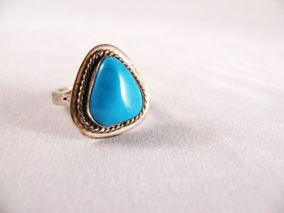 SALE Vintage Turquoise Silver Ring