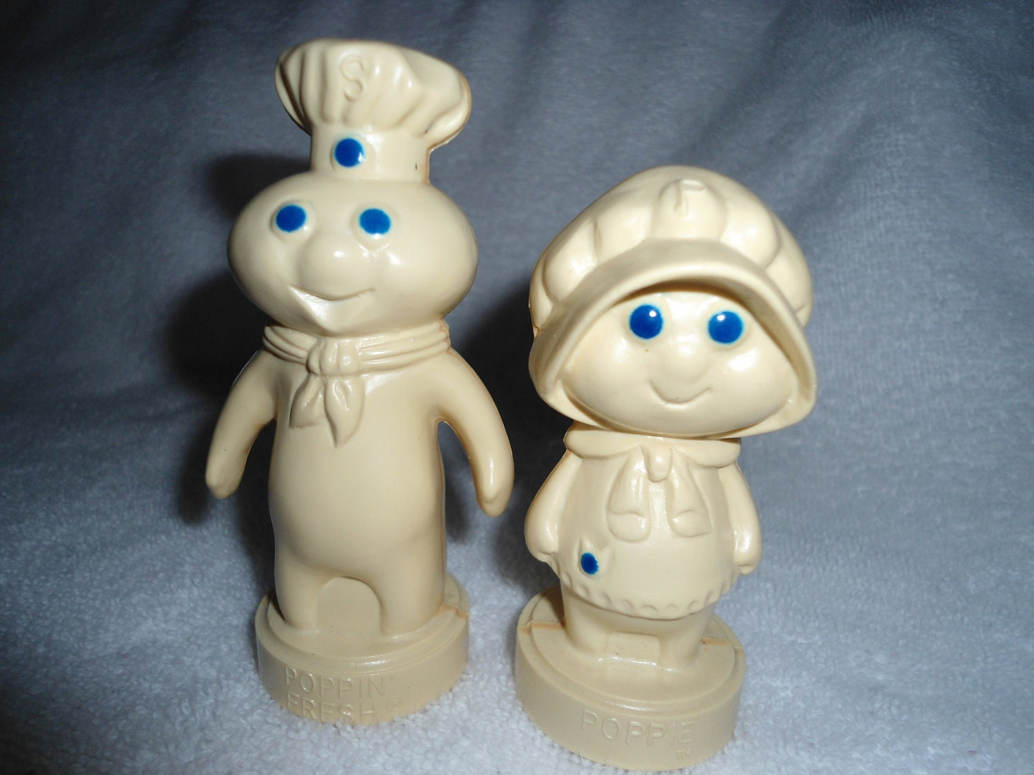 Pillsbury Doughboy And Doughgirl Salt Amp Pepper Shaker