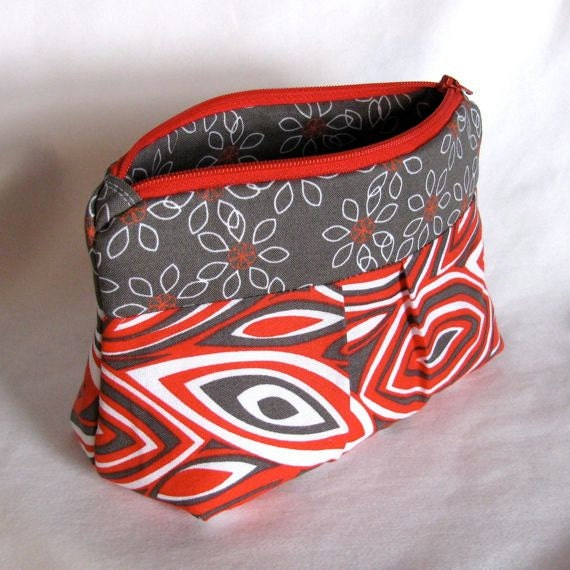 Red/Gray/White Slouchy Pouch Zipper Purse