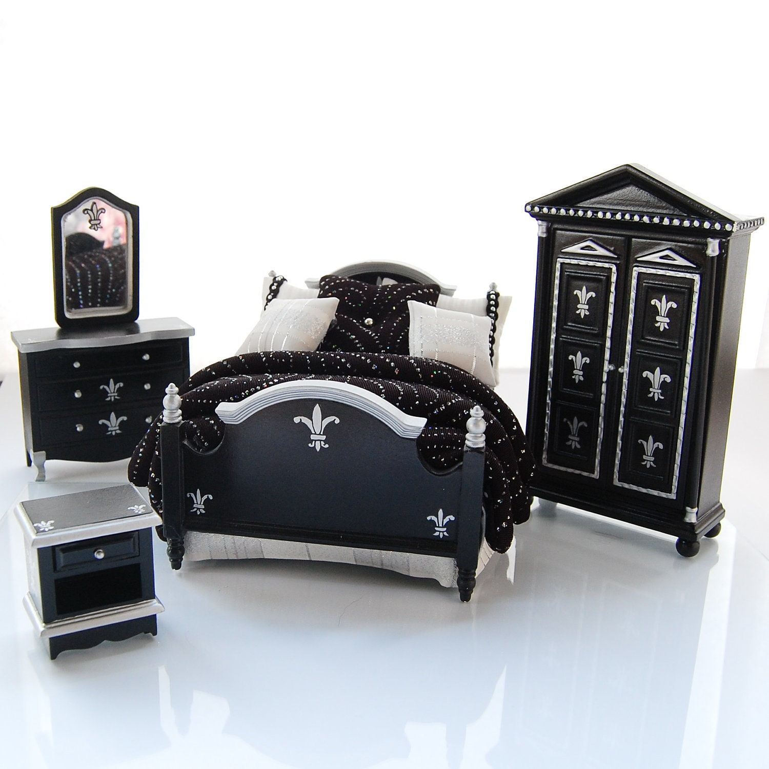 Gothic Bedroom Furniture Black And Silver Bedroom Bedroom Paint Ideas Wallpapers Mink Bedroom Colour Scheme: BLACK & SILVER Bold Dramatic Fleur De Lis Hand-Painted Custom