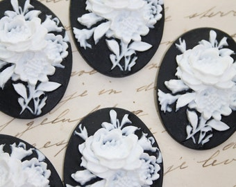 SALE 20% OFF 5 unset rose cameos - White on black - 30x40mm