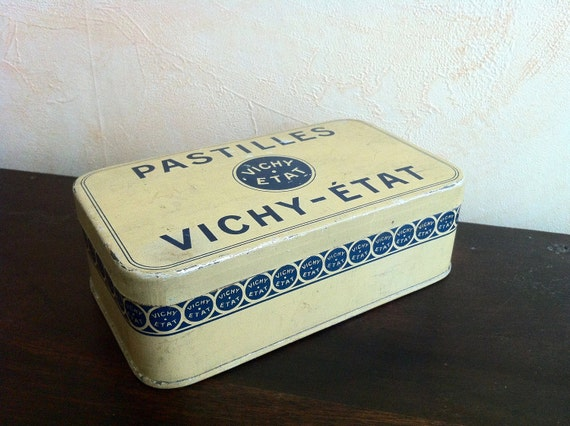 Metal tin. Vintage French candies box