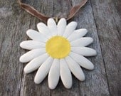 Big Daisy pendant creamy white petals yellow centre vintage velvet or antique bronze chain Spring Summer