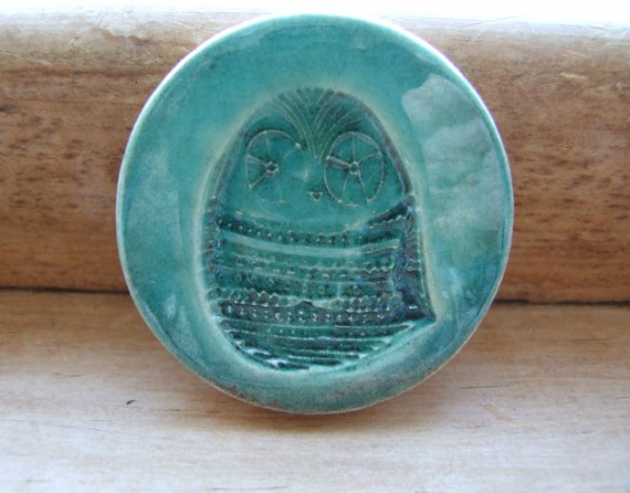 Cute Owl ceramic magnet, teal crackle glaze blushed with plum, strong magnet, for fridge or noticeboard, ultramarine green