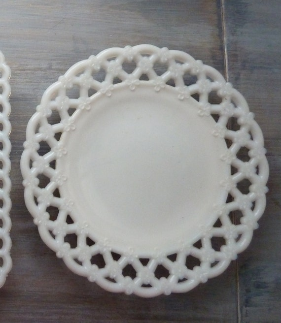 Westmoreland White Milk Glass Lace Edge Plate
