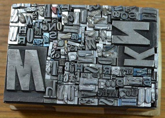 140 pieces vintage letterpress metal type - mix of fonts, sizes, letters, numbers and punctuation - TC4