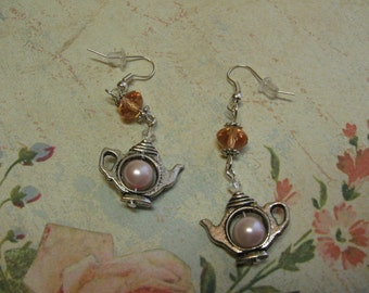 Alice in Wonderland Pink Pearl Teapot Earrings