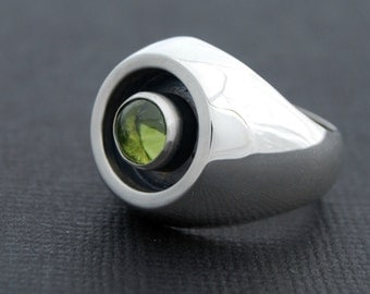 Peridot ring - sterling silver ring with peridot