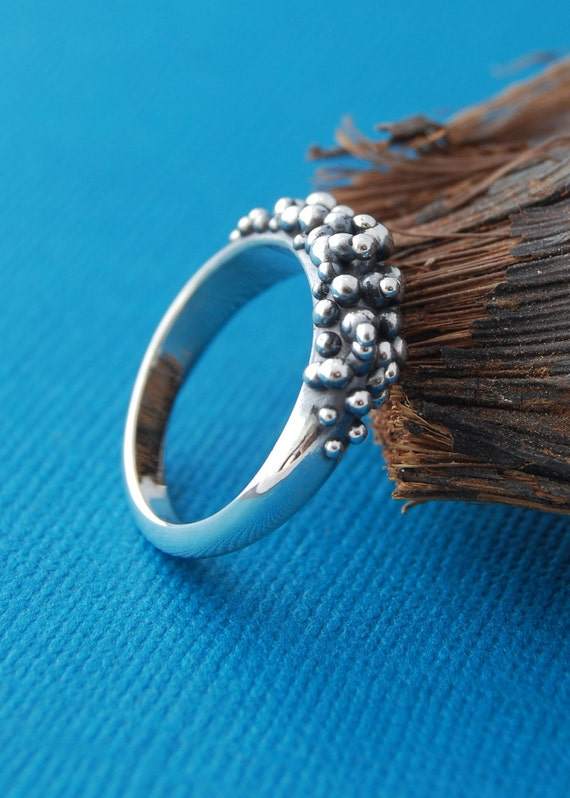 RESERVED - SALE - Caviar ring no8 - size 7 3/4 - 8