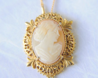 1970s vintage / shell cameo necklace with tassel / MADAME