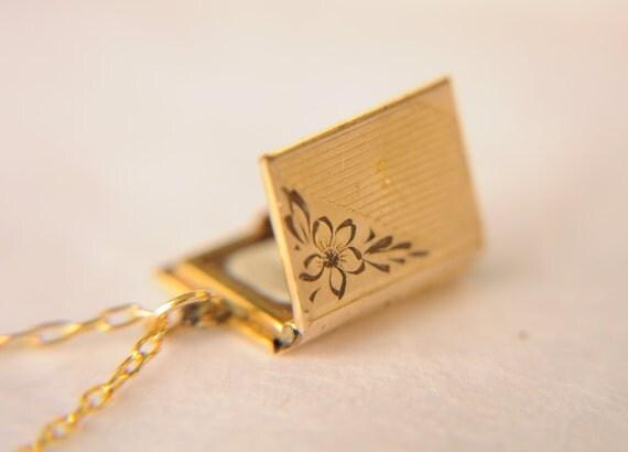 SALE  /// vintage 1920s gold book locket / necklace // LOST BOY