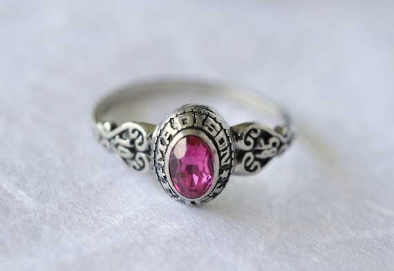 vintage 1980s / class ring / JOSTENS // RUBY