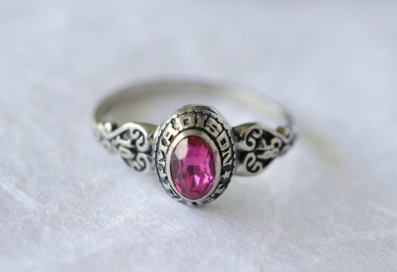 vintage 1980s class ring JOSTENS RUBY