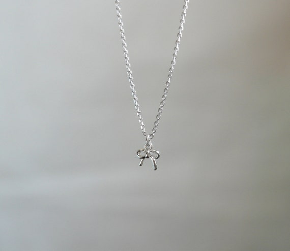 Delicate simple everyday silver tiny bow knot necklace