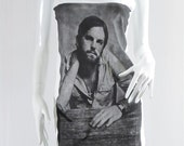 KINGS OF LEON Caleb Followill Garage Rock Music Shirt Women Tank Top Vest Shirt Tank Tunic Top Women Sleeveless White Singlet Shirt Size S M