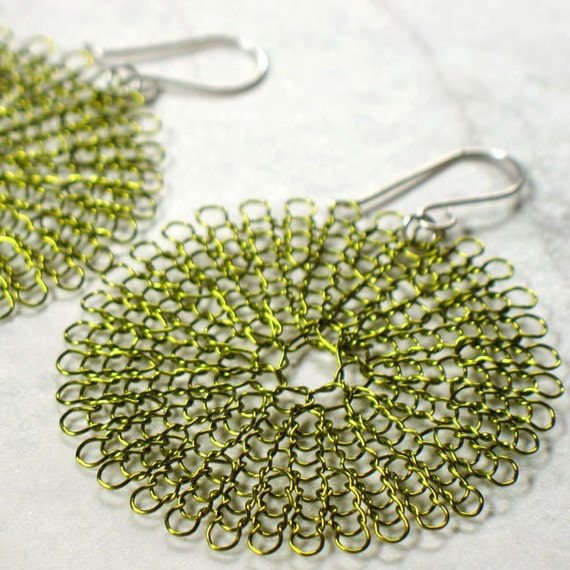 knit wire earrings, large in peridot
