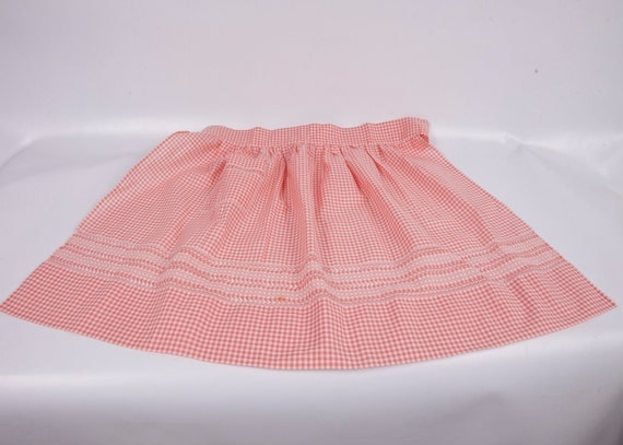 Vintage gingham apron pink and white cotton