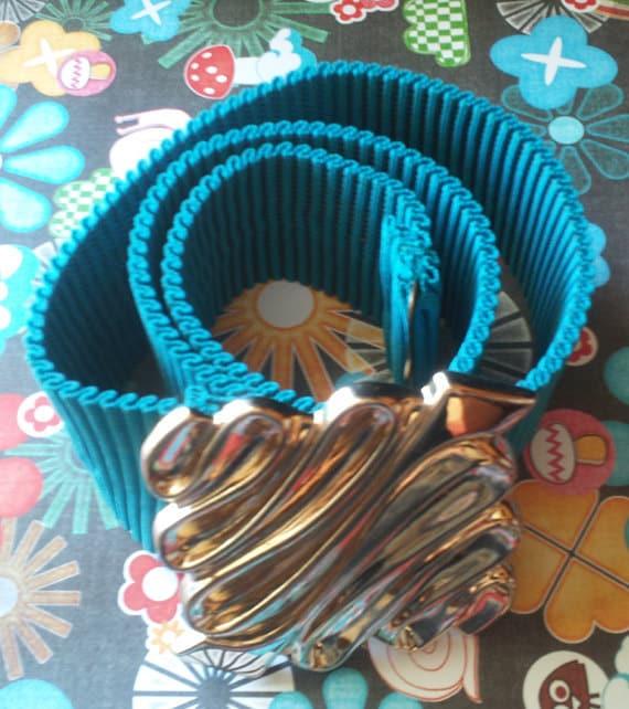 Turquoise Expandalble Elastic Belt With Gold Tone Buckle c1970