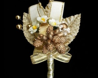 Boutonniere - Golden Charm