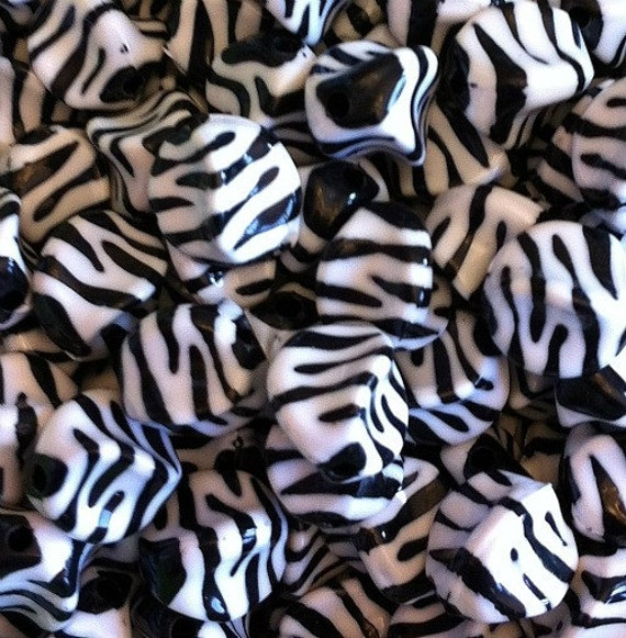 25 ct Zebra or Tiger Acrylic Chunky Beads 15mm Nugget Beads - White/Black Striped
