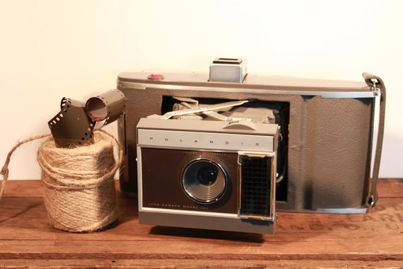 Polaroid Land Camera J66 with case