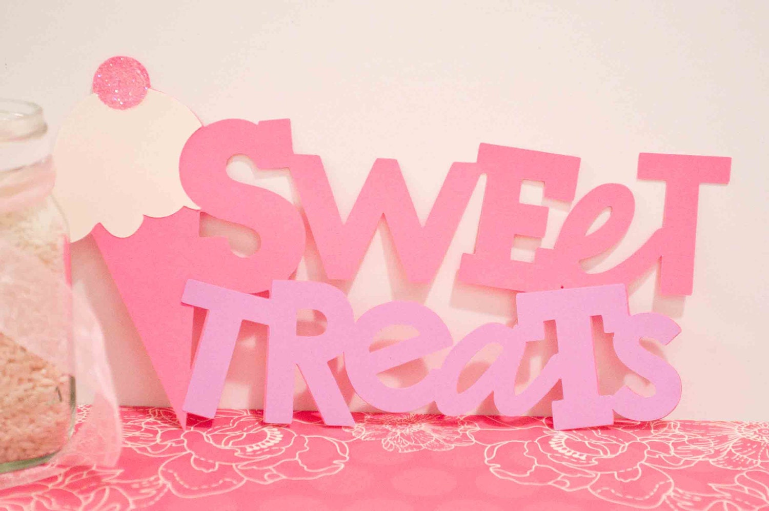 10 Amazing Themed Dessert Tables for Your Kids' Birthday ... |Sweet Treats Party Table
