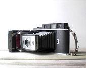 Vintage / Electronics / Camera / Polaroid Land Camera 900 / retro / geek / industrial home decor / silver / gray / folding camera