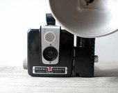 Vintage / Electronics / Camera / Brownie Hawkeye flash model / industrial home decor / modern / retro / man cave collectible / 1950s / Kodak