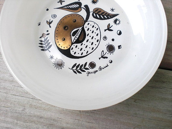 Vintage Georges Briard milk glass bowl / Forbidden Fruit / retro / mid century / atomic apple / white / gold / black