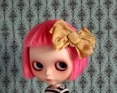 Sweet Sally Hair Bow - Caramel Silk Bow clip hair piece for your Blythe Princess