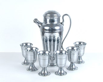 Farberware Art Deco Chrome Plated Cocktail Shaker and 6 Cups Set
