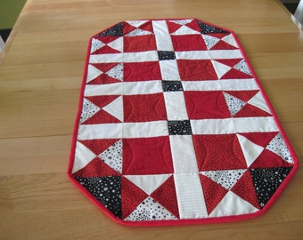 Red, White and Black Table Topper