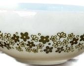 Pyex mixing bowl Cinderella style Crazy Daisy pattern
