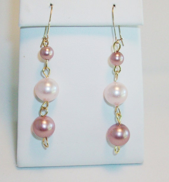 Mauvelicious Crystal Pearl earring