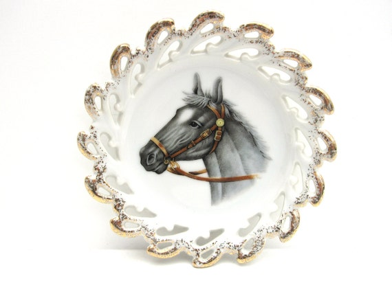 Vintage Horse Plate with Gold Scalloped Edge (Facing to the left)