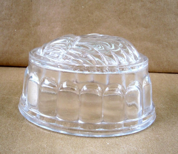 Pressed Glass Scallop Shell Mold