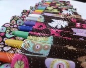 Crayon holder featuring glitter/cats buttons 24 mini twistable Crayola crayons - ready 2 ship