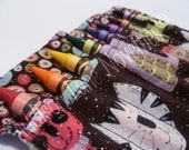 Glitter Cats & Buttons Crayon Holder includes 8 crayola crayons