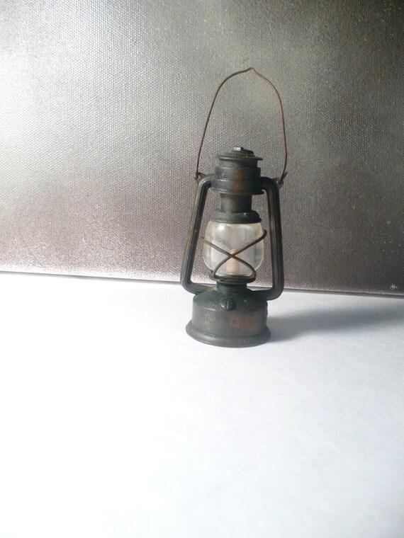 Old Lamplight - Miniature Lantern