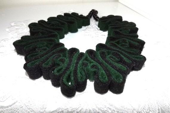 collier collier de d claration eco recycl collier de. Black Bedroom Furniture Sets. Home Design Ideas