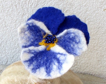 Felt Pansy Brooch - Pansy  Brooch - Navy Blue White Pansy Felted Wool - Flower Brooch Pin Corsage Flower