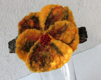 Felt  Brooch - Pansy  Brooch - Yellow Pansy Felted  - Flower Brooch Pin Corsage Flower
