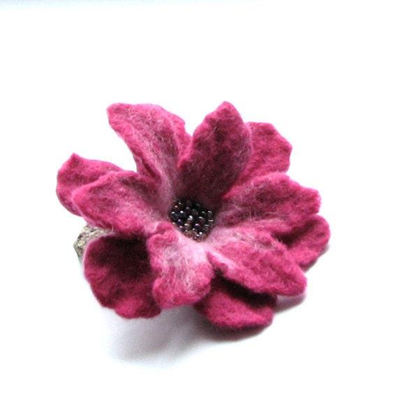 Pink Felt Flower - Felted  Brooch - Felt Brooch - Flower Brooch - Felt Flower Brooch
