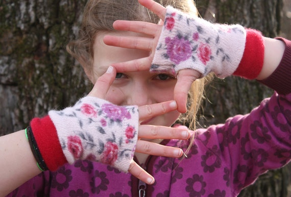 Girls Fingerless Gloves , Wool Arm Warmers, Childrens  Mittens, fingerless gloves kids. Present for girls, Gift idea for GIRLS