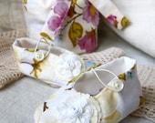 Newborn Gift Set. Includes Soft Shoes, coordinating Bib or Headband and Beautiful matching fabric Satchel.