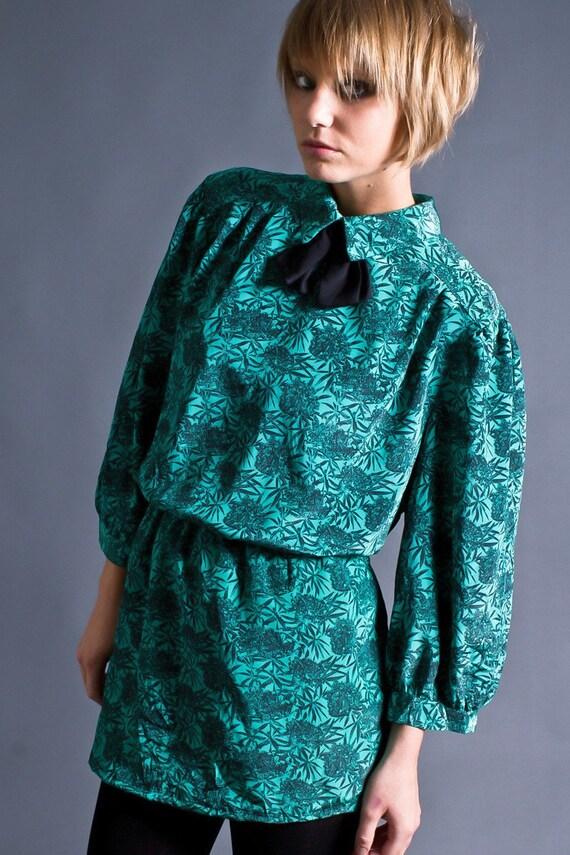 SALE 50% OFF 80s Vintage Bow Tie Mini Dress