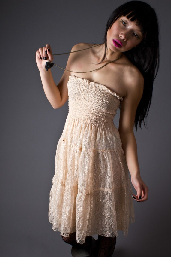 80s Vintage Lace Strapless Sundress in Pale Pink