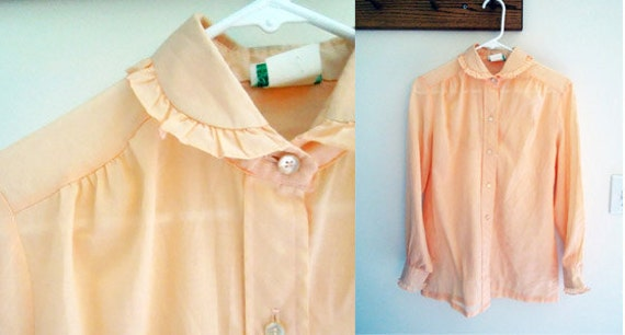 SALE Vintage Peach Peter Pan Collar Ruffle Blouse Cotton Pastel Button Up 70s Medium