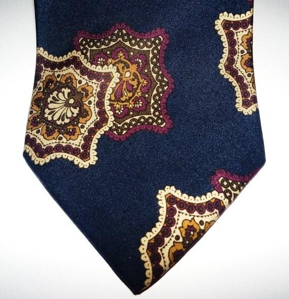 READY TO SHIP,  Vintage Silk Necktie , Valentine Gift